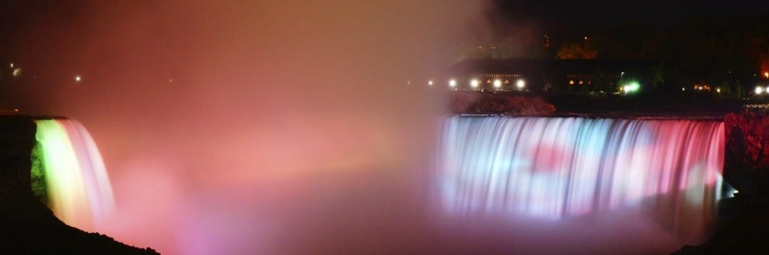 vibrant colours of the niagara falls at night
